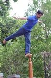 Man på en pol En sport av Indien Tom Wurl Royaltyfri Foto