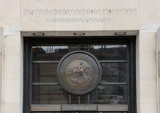 Man på hästryggmedaljong, Robert N C Säga nej till Sr Federal byggnad royaltyfria bilder