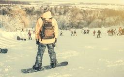 Man på snowboard Arkivfoto