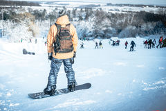 Man på snowboard Arkivfoton
