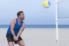 Man playing beach volley Royalty Free Stock Images