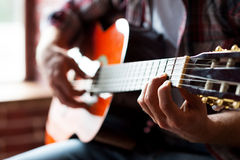 Man playing guitar. Royalty Free Stock Images
