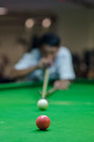 Man playing snooker Royalty Free Stock Photography