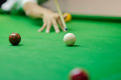 Man playing snooker Stock Photography