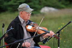 Man Playing Violin Outdoors Royalty Free Stock Images