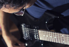 Man plays guitar Royalty Free Stock Photos