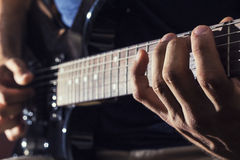 Man plays guitar Royalty Free Stock Images