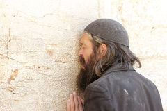 Man praying at the Wailing Wall in Jerusalem Stock Photo