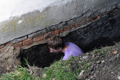 Man preparing hole in ground Royalty Free Stock Photo