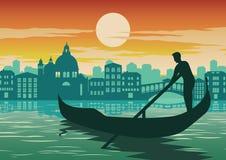 Man radfartyget i Venedig, berömd gränsmärke av Italien, på solnedgångtid royaltyfri illustrationer