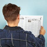 Man reading the newspaper Royalty Free Stock Photography