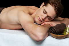 Man relaxing in a spa Royalty Free Stock Photography