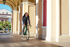 Man riding fixed-gear bicycle Royalty Free Stock Photos