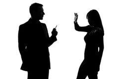 man rokende gestoorde sigaret en vrouw Stock Afbeelding