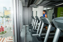 Man running on treadmill Royalty Free Stock Photography