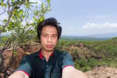 Man Selfie med det Doi Tok Grandet Canyon i den Mae Wang nationalparken, Arkivfoton