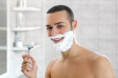 Man shaving Royalty Free Stock Images