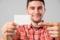 Man showing blank business card Royalty Free Stock Photos