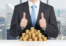 Man showing thumb up Royalty Free Stock Photography