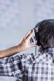 Man singer rehearsing Stock Images