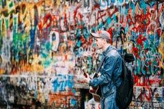 Man sings music band KINO songs near Viktor Tsoi Royalty Free Stock Images