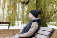 Man sits on the bench Royalty Free Stock Photos