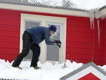 Man & snö Arkivfoton