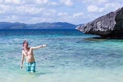 Man snorkeling in water Royalty Free Stock Photos