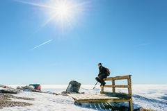 Man in the snowy mountains Royalty Free Stock Photos