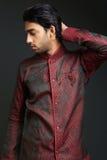Man som bär den traditionella dhotien Royaltyfria Foton
