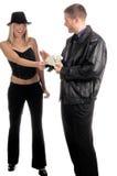 man som betalar kvinnan Arkivfoto
