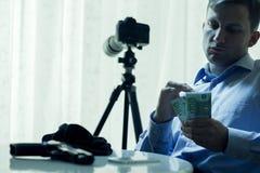 Man som betalas till mordet Fotografering för Bildbyråer