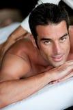 Man som har massage Royaltyfria Bilder