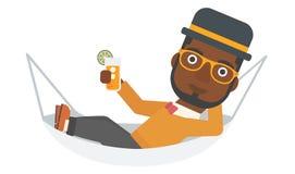 Man som ligger i en hängmatta Royaltyfri Fotografi