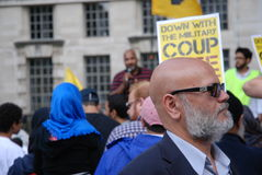 Man som protesterar om krig Royaltyfri Fotografi