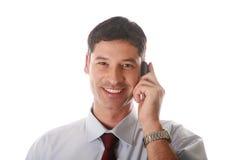 Man som talar på telefonen Arkivbilder