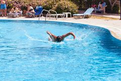 A man in the swimming pool Royalty Free Stock Photography