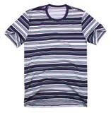 Man t-skjorta som isoleras på vitbakgrund Arkivbilder