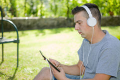 Man with tablet Royalty Free Stock Photography