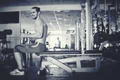 Man training in gym Royalty Free Stock Photography