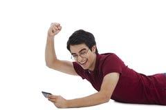 Man using mobile phone Royalty Free Stock Photos