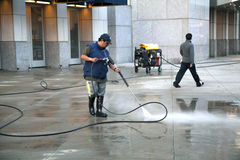 Man using pressure washer Royalty Free Stock Photography