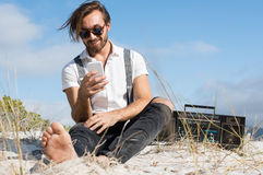 Man using smartphone Royalty Free Stock Images