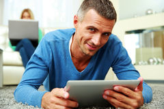 Man using a tablet computer Stock Photos