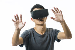 Man using the virtual reality headset Royalty Free Stock Photography
