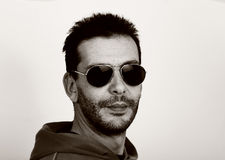 Man wearing aviator sunglasses Royalty Free Stock Photos