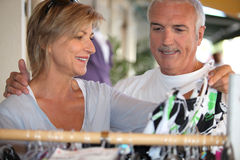 Man and woman shopping Royalty Free Stock Photography