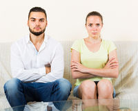 Man and woman talking stressfully Royalty Free Stock Photography