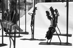 Man& x27; s zwart-wit beeldhouwwerk Stock Foto