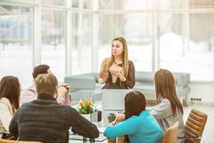 Manager conducts the presentation of the new advertising project Royalty Free Stock Photos